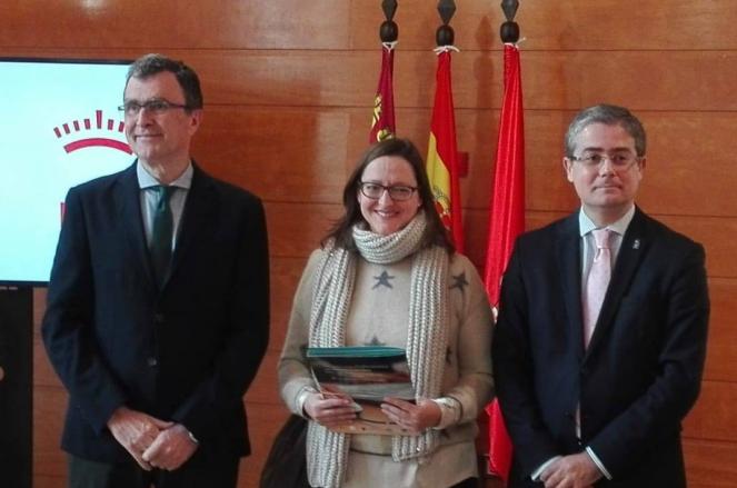 FAMDIF firma convenio 26 de diciembre con el Ayuntamiento de Murcia
